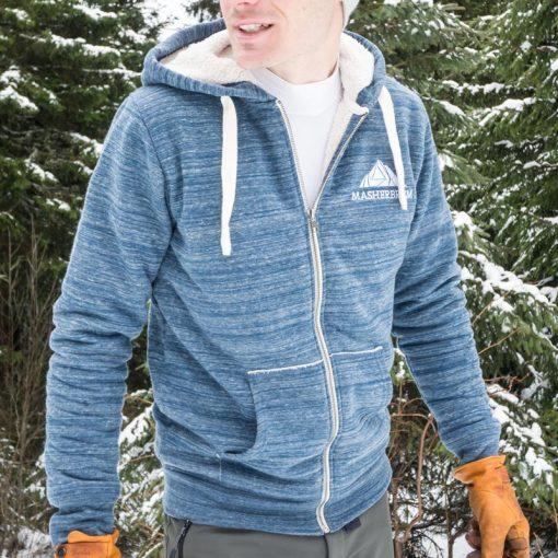 men-organic-hoodie-ski-mountain